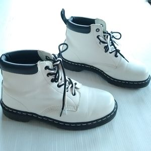 Doc Martens • 939 white smooth leather boots